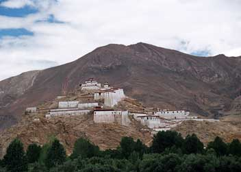 Village-in-tibet-tour